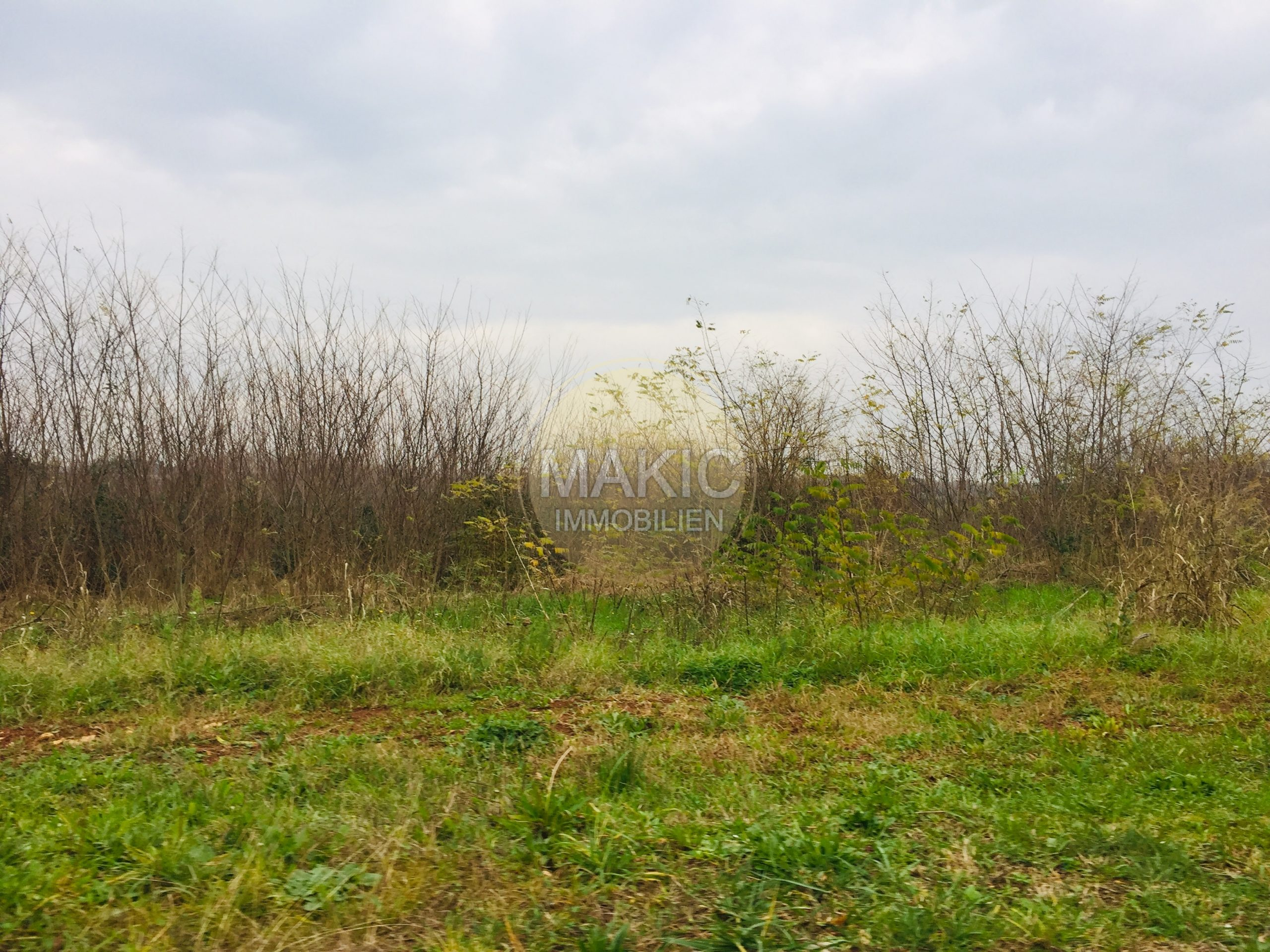 ISTRIA – Large building plot – only 350m to the sea
