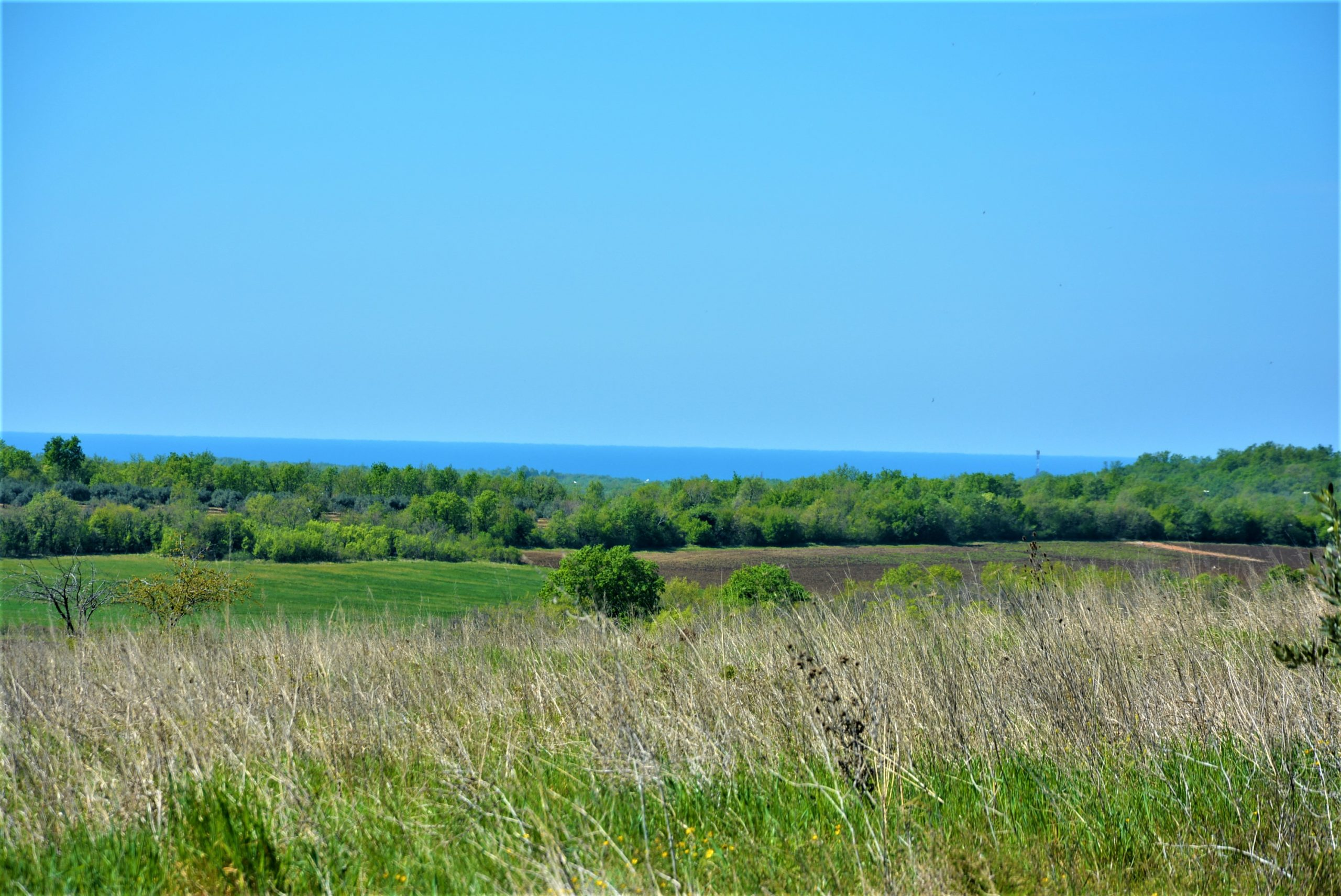 Great plot with sea view