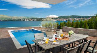 Insel Čiovo – Voll ausgestatte Villa mit Pool und Meerblick – 6 Schlafzimmer!